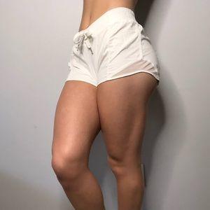 Lululemon Hotty Hot Short 2.5